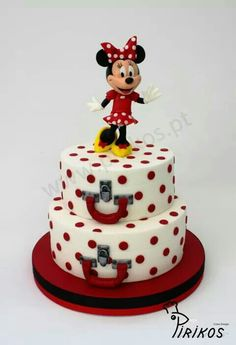 Minnie Mouse luggage cake