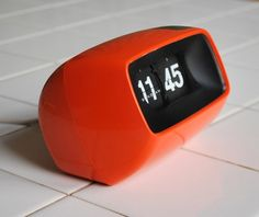 Vintage Orange Flip Watch Retro Folding Number Clock - We Collect Similar - Only / Unique - www. Clock Orange, Retro Clock, Digital Clocks, Futuristic Design, Mid Century Design, Flip Clock, Decoration, Vintage Fashion, Dekoration