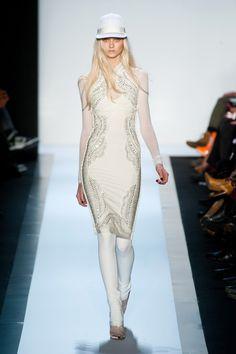 Sukienki na karnawał 2014: inspiracje z wybiegów, Herve Leger jesień-zima 2013/2014, fot. Imaxtree