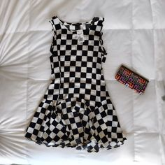 Checkered Dress Checker print dress from Forever 21. Size small. New with tags.                                                   follow on.                                                             Instagram: vale.ramos Forever 21 Dresses