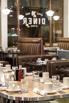 Cafe Bar, Cafe Restaurant, Restaurant Design, Diner Aesthetic, Diner Decor, Retro Diner, Diner Recipes, American Diner, Soda Fountain