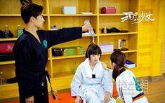 Film China, Yang Yang Actor, Korean Drama Movies, Cute Actors, Chen, Kpop, Celebrities, Boys, Gravity Falls