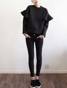 STRETCH-NEOPRENE SWEATSHIRT with ruffled sleeves Black - Neoprene fabric The UHLALA sweatshirt is crafted from stretch-neoprene fabric. This piece