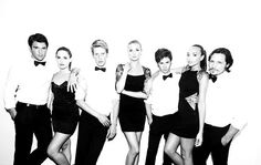 REVENGE! Best serie EVER!! No one can invent a better one! Love it, obsessed with the trama and the cast♥