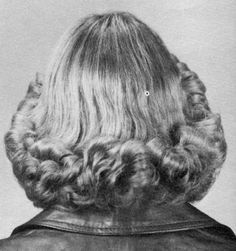 70s Hair, Wet Set, Halo Hair, Bouffant Hair, Great Hair, About Hair, Just For Fun, Vintage Hairstyles, 70s Fashion