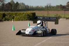 Het DUT Racing Team gaf 9 oktober jl. een demonstratie met de DUT14 op het parkeerterrein van tbp electronics!