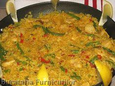Bucataria Furnicutilor: Paella cu Pui Paella, Curry, Chicken, Meat, Ethnic Recipes, Food, Curries, Hoods, Meals