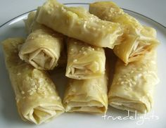 Tiropita (pastry filled with feta and bechamel sauce) Greek Appetizers, Recipes Appetizers And Snacks, Yummy Snacks, Delicious Desserts, Yummy Food, Turkish Recipes, Greek Recipes, Cypriot Food, Greek Cooking