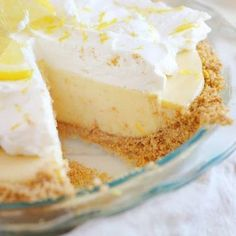 Joanna Gaines famous Lemon Pie recipe is a family favorite! The perfect amount of sweet and tart paired with a fantastic graham cracker crust! ~ I Am Baker Lemon Dessert Recipes, Köstliche Desserts, Lemon Recipes, Pie Recipes, Delicious Desserts, The Best Lemon Pie Recipe, Icebox Pie, I Am Baker, Gourmet