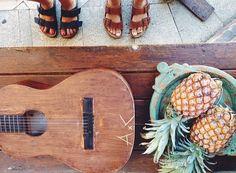 Ananas et #Birkenstock #Arizona, le mélange parfait! Je veux les mêmes: http://www.birkenstock-france.com/femmes/arizona.html