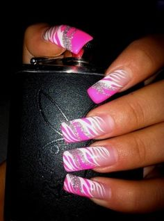 I love long nails. I absolutely LOOOVE THIS!!!! Doin my nails like this later, might use different colors tho
