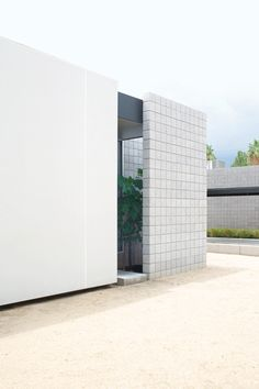 Sophisticated treatment with simple materials. #concrete #block