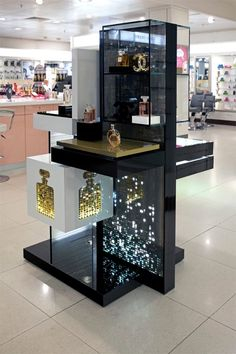 smd led p4 Window Display Design, Pop Display, Wall Shelves Design, Kiosk Design, Booth Design, Exhibition Display Stands, Cosmetic Display, Displays, Retail Store Design