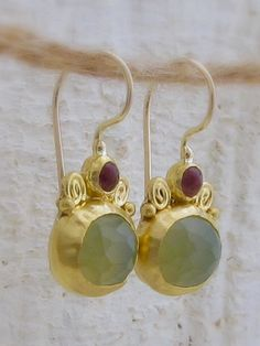 Reminds me of ancient style earrings