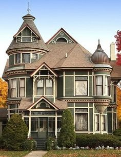 I always wanted elements of an old victorian house built into a new one!I always wanted elements of an old victorian house built into a new one! Modern Victorian Homes, Victorian Architecture, Victorian Houses, Victorian Homes Exterior, Beautiful Architecture, Second Empire, House Built, Historic Homes, House Painting
