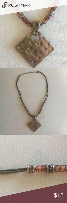 PREMIER DESIGNS diamond shape pendant necklace Adjustable length. Magnetic loop pendant. Premier Designs Jewelry Necklaces