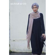 Tunique longue et couvrante  pour la vie quotidienne des hijabi, fluidité et confort au rendez-vous.