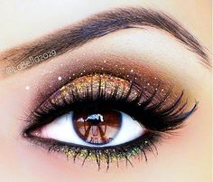 Sparkly eye makeup Visit my site ... https://www.youtube.com/watch?v=u5EjY9V31-o #makeup #makeupbrushes #realtechniques