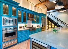 Кухня в стиле шебби-шик: винтажная роскошь для ценителей комфорта и 80 уютных интерьеров http://happymodern.ru/kuxnya-v-stile-shebbi-shik/ Современная интерпретация кухонного гарнитура в стиле шебби-шик