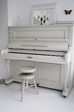 I love to play piano, and in my good life it will be one of my pastimes. I have my grade 4 in practical (playing) and my preliminary rudiments for musical theory. I will continue to play for a long time and this is how I want to spend my free time, with a piano, a music book, and a free afternoon.