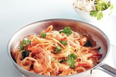 Speedy Pad Thai - super easy and yummy; tastes like pad thai from restaurant! Best Seafood Recipes, Thai Recipes, Asian Recipes, Cooking Recipes, Yummy Recipes, Cooking Ideas, 7 Day Meal Plan, Fast Metabolism Diet, Dinner Menu