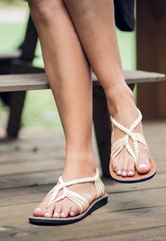 Elegant and comfortable flat sandals for travel, vacation, the city and the beach. Braided cute and elegant summer flats to combine with dresses, shorts and jeans. Casual, affordable and beautiful slip-on sandals. Ivory Sandals, Flat Sandals, Beach Braids, Black Leather Watch, Summer Flats, Cute Flats, Comfortable Flats, Clearance Shoes, Types Of Shoes