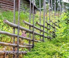3 Jaw-Dropping Useful Tips: Concrete Fence Rocks easy fence watches.Fence Post Tattoo old fence coat hanger. Deer Fence, Front Yard Fence, Bamboo Fence, Fenced In Yard, Pallet Fence, Fence Landscaping, Backyard Fences, Garden Fencing, Fence Doors