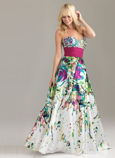 Usually not a fan of dresses like this, but this is stunning. Wish I had a reason to wear it!