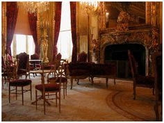 Premier Hotel, Desk Cabinet, Antique French Furniture, Baroque Design, Oak Desk, Parquetry, Writing Table, Cabinet Makers, Living Room