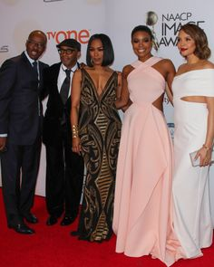 Last night, dozens of celebrities gathered for the grand and star-studded 46th Annual NAACP Image Awards. The host, Anthony Anderson, added his energetic and comedic touch to the night, while the s...