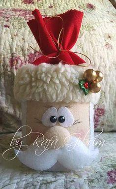https://flic.kr/p/RhHNj8 | Lata enfeitada de Papai Noel (reutilizando latas) | Mais um produto que surgiu através da reutilização de embalagens que iriam para o lixo, nesse caso, uma lata. Quem já ganhou, AMOU!!  É um belo presente, e dentro pode-se colocar diversas gostosuras como, por exemplo, chocolates e biscoitinhos. Encomendado por Auriane - São Paulo/SP