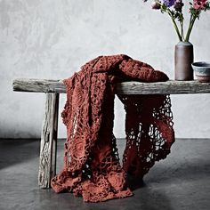 ♥beautiful shot, the contrast of the old wood and the soft crocheted yarn Crochet Quilt, Crochet Home, Love Crochet, Crochet Stitches, Knit Crochet, Crochet Flowers, Crochet Afghans, Crochet Blankets, Marsala