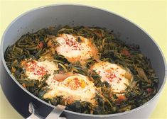 Eggs fried with eggs- Χόρτα τσιγάριστα με αβγά Eggs fried with eggs - Greek Recipes, Easter Recipes, Fries, Food And Drink, Appetizers, Cooking Recipes, Eggs, Meat, Chicken