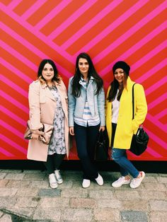 LONDON FASHION WEEKEND |  Yellow coat, red Stan Smiths and ripped jeans.