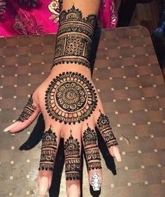 130 Simple and Easy Mehndi Designs For Hands - Mehndi designs - Hand Henna Designs Easy Mehndi Designs, Henna Hand Designs, Pakistani Mehndi Designs, Latest Mehndi Designs, Mehandi Designs, Henna Tattoo Designs, Circle Mehndi Designs, Mehndi Designs Finger, Round Mehndi Design