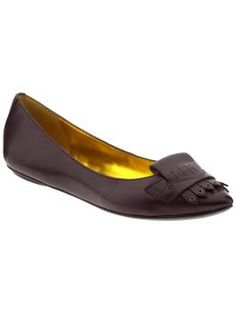 These black leather flats have a unique boyish flair. These flats are a perfect compliment to your work attire.
