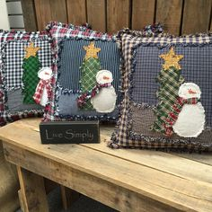 Sewing Pillows Shabby Snowman Rag Pillow Pattern from Jubilee Fabric - Christmas Applique, Christmas Sewing, Primitive Christmas, Handmade Christmas, Christmas Crafts, Christmas Ornaments, Diy Christmas Pillows, Christmas Rag Quilts, Christmas Tree