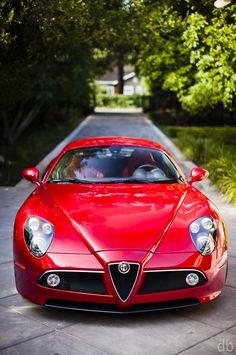 Alfa Romeo 8C Competizione, stunning beauty in red!