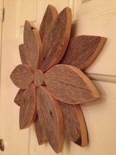 Items similar to Wall Flower - Reclaimed Wood - Wreath / Wall Decor / Table Centerpiece on Etsy : Wall Flower Reclaimed Wood Wreath / Wall by JeraldBuildsStuff Wooden Decor, Wooden Wall Art, Wooden Crafts, Wooden Diy, Wall Wood, Wood Walls, Diy Wood, Wood Yard Art, Wood Art