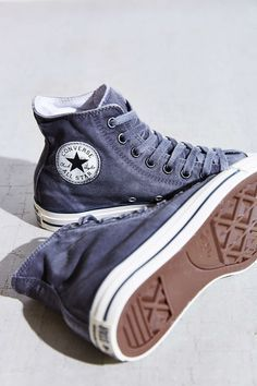 Trendy Women's Sneakers : Converse Chuck Taylor All Star Was.-Trendy Women's Sneakers : Converse Chuck Taylor All Star Washed High-Top Sneaker – Urban Outfitters – Fashion Inspire Sock Shoes, Cute Shoes, Women's Shoes, Me Too Shoes, Shoe Boots, Shoes Sneakers, Shoe Bag, Blue Sneakers, Shoes Style