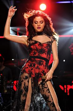 Selena, I love that dress !!