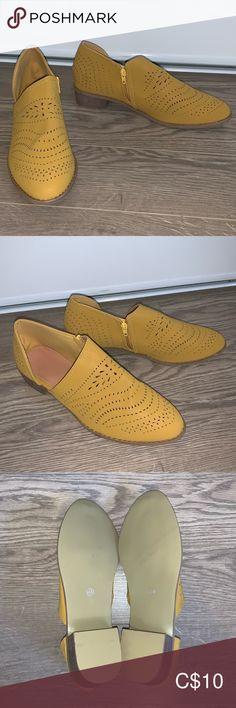 Yellow loafer, never worn Yellow loafer, never worn. Low heel, comfortable to walk in Shoes Flats & Loafers Loafer Flats, Loafers, Low Heels, Walking, Sandals, Yellow, Best Deals, Sneakers, How To Wear