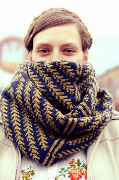 Beautiful Pine Bough Cowl pattern by Diana Walla