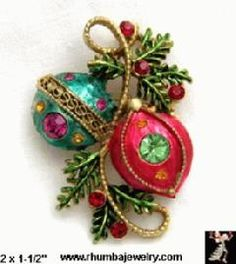 Vintage Unsigned Weiss Christmas  Ornament Pin
