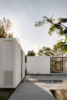 House was designed by multidisciplinary studio AS/D. Located in Jurica, Mexico, this weekend house takes a unique approach to the traditional . Architecture Durable, Residential Architecture, Interior Architecture, Architecture Websites, Minimalist Architecture, Contemporary Architecture, Casas Containers, Weekend House, Modern House Design