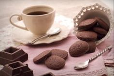 Biscotti al cioccolato - Le Ricette di GialloZafferano.it