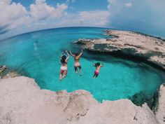 Cliff jumping west Caicos, Turks and Caicos islands, beach, adventures, boat trips, jump, friends, summer travel instagram picture ideas