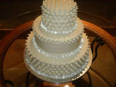 Typically, wedding event cakes are is the traditional cake being dished up to the guests at the breakfast after the wedding event. It is identified as a huge cake, various from the usual cakes we have on common occasions. Cheap Wedding Cakes, Huge Cake, Traditional Cakes, Wedding Events, Wedding Ideas, 21st Birthday, Cake Decorating, Dishes, Buy Cheap