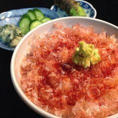"""okazu-shokudo:  雨ふりで家で呑んで食べた一日。孤独のグルメを観てどうしても食べたくなり、しめのわさび丼。それはもう間違いのない味。いつか河津町で食べてみたいものです。   "" ー from 'The Solitary gourmet' 고독한 미식가 fresh wasabi over steamed rice"