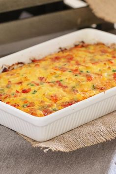 A simple Macaroni & Vegetable Frittata Bake made with capsicum, carrots, corn, peas and ham. Perfect for kids and toddlers, or as an easy midweek dinner. #thermomix #baking #kids #frittata #slice #macandcheese #lunchbox #toddler #easydinner #savoury #bakeplaysmile